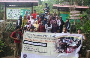 Alumni PBSI UAD jos di Gunung Api Purba